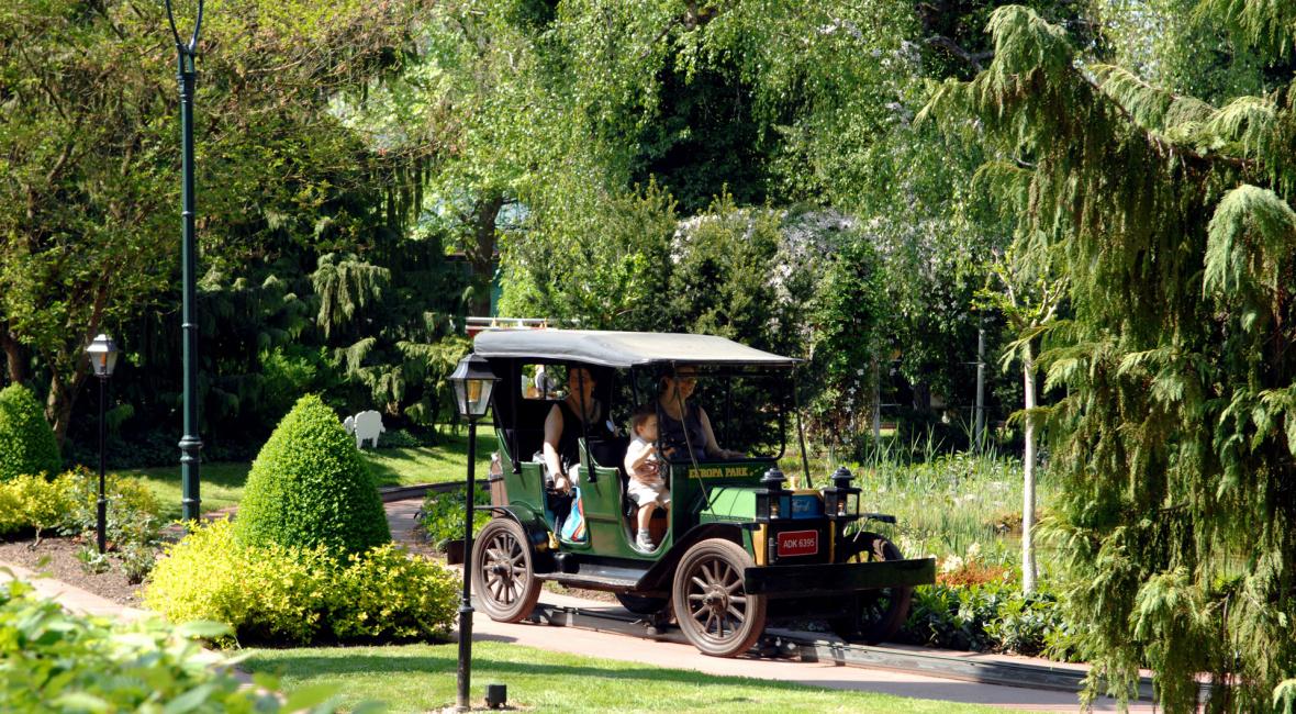 oldtimer-fahrt_1920_at_europa-park-01-02.jpg